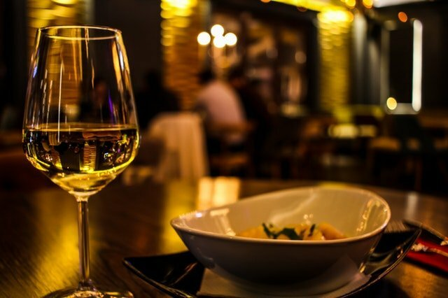 blur-close-up-cutlery-dining-370984