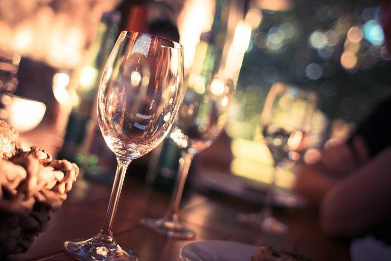 wine-glass-on-restaurant-table-225228